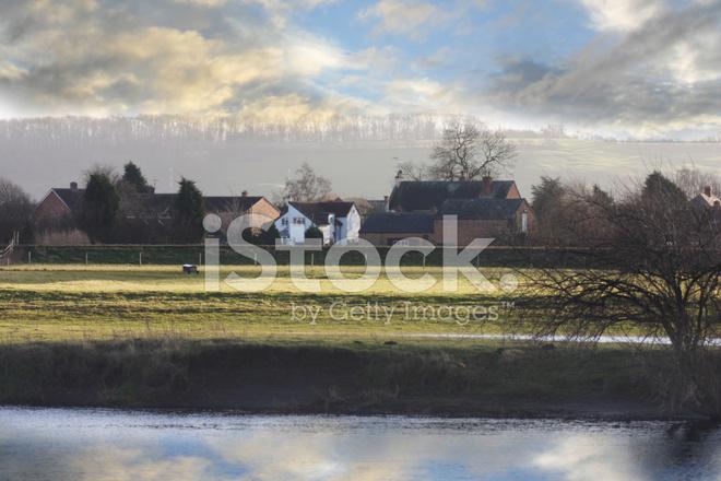 Zonsondergang Op Een Engels Dorp Stockfotos Freeimagescom