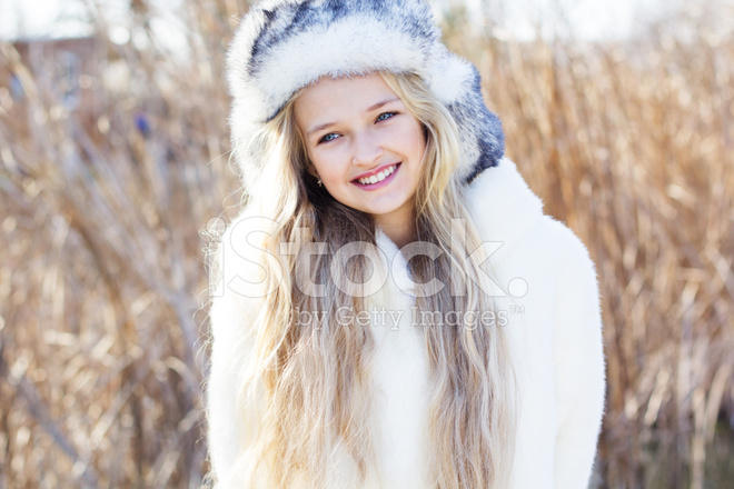 554ccf8ce652 Cute Little Girl IN Winter Clothes Outdoors Stock Photos ...
