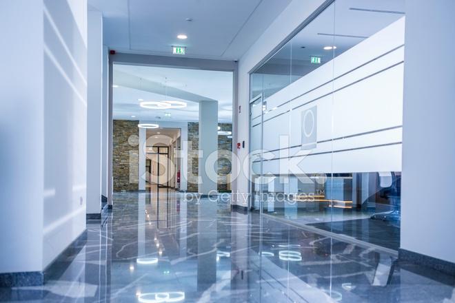 Moderne kantoor corridor stockfoto s freeimages