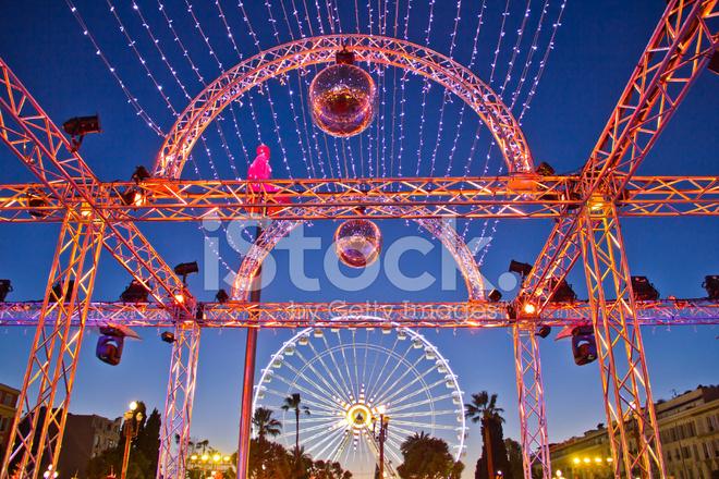 Jul Dekoration Och Farjor Hjul I Nice Frankrike Stockfoton Freeimages Com