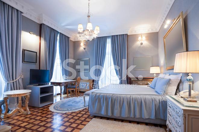 Interieur Klassieke Stijl : Slaapkamer interieur in klassieke stijl stockfoto s freeimages