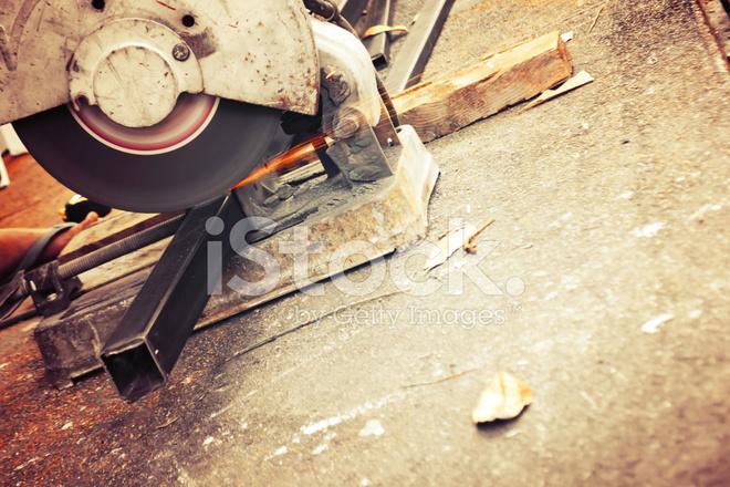 Maschinen Fur Metall Schneiden Mit Funken Licht Stockfotos