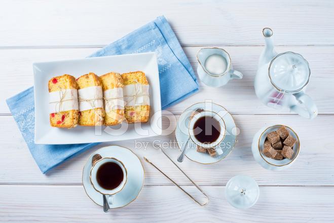 G teau de fruits confits avec th et caf pour le petit d jeuner photos - Gateau pour le petit dejeuner ...