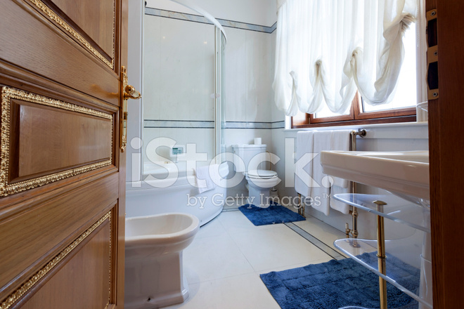 Luxe Badkamer Interieur : Luxe badkamer interieur stockfotos freeimages.com