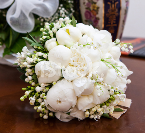 Bouquet Da Sposa Peonie.Bouquet Da Sposa Con Peonie Fotografie Stock Freeimages Com