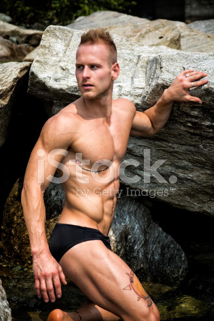Free naken men