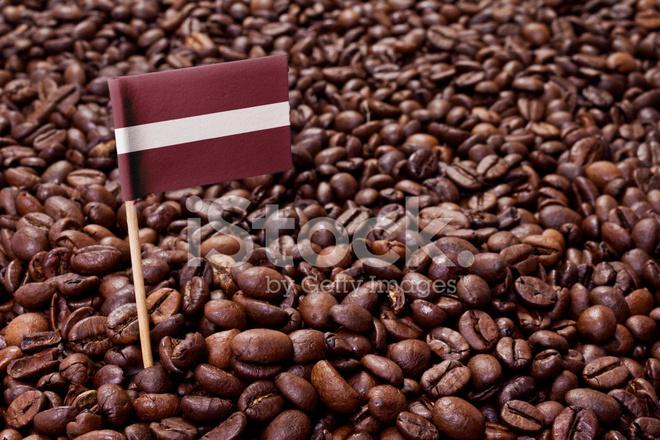 bandeira da letónia degola nos grãos de fotos do acervo freeimages com