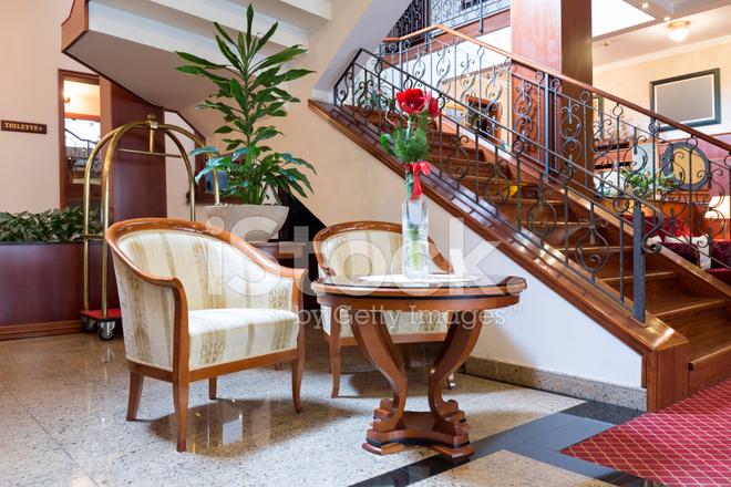 Hotel Lobby Treppen Und Stühle Stockfotos Freeimages Com