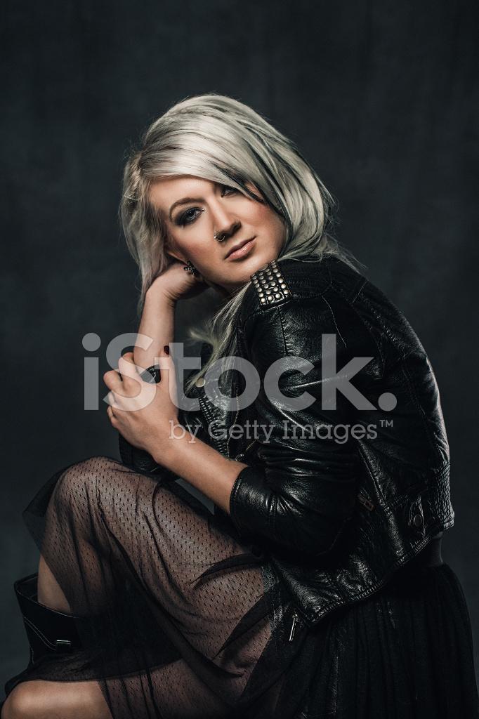 Cool Rock Chic Kvinna Stockfoton