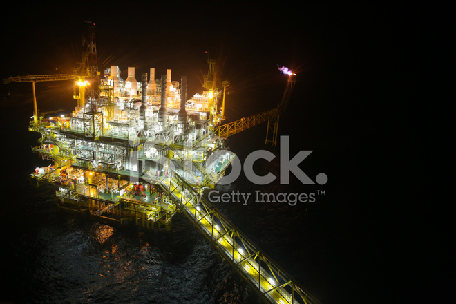 Oil and Gas Construction IN Night Stock Photos - FreeImages com