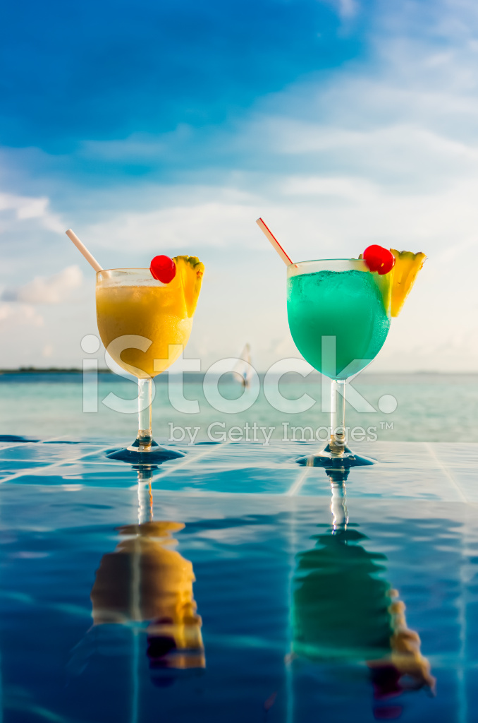 Cocktail Near The Swimming Pool Stock Photos
