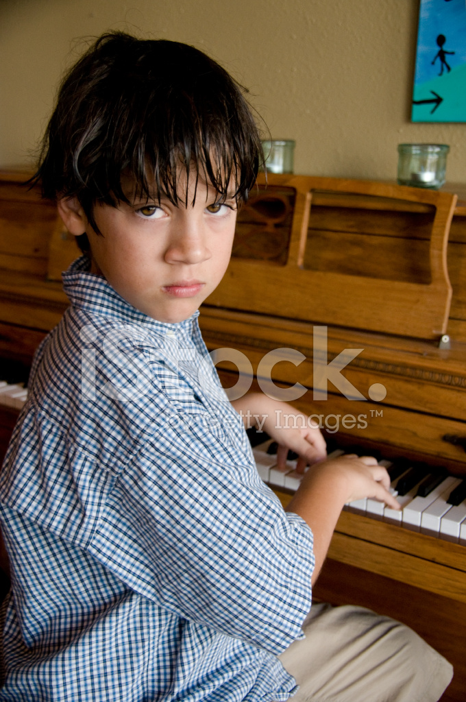 asian-pianist-young-boy