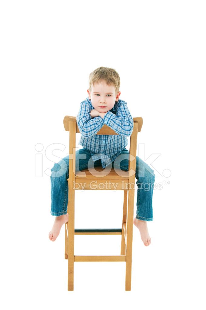 37a9f749422f26 Vrolijke Jongen Zittend Op Een Stoel Stockfoto s - FreeImages.com
