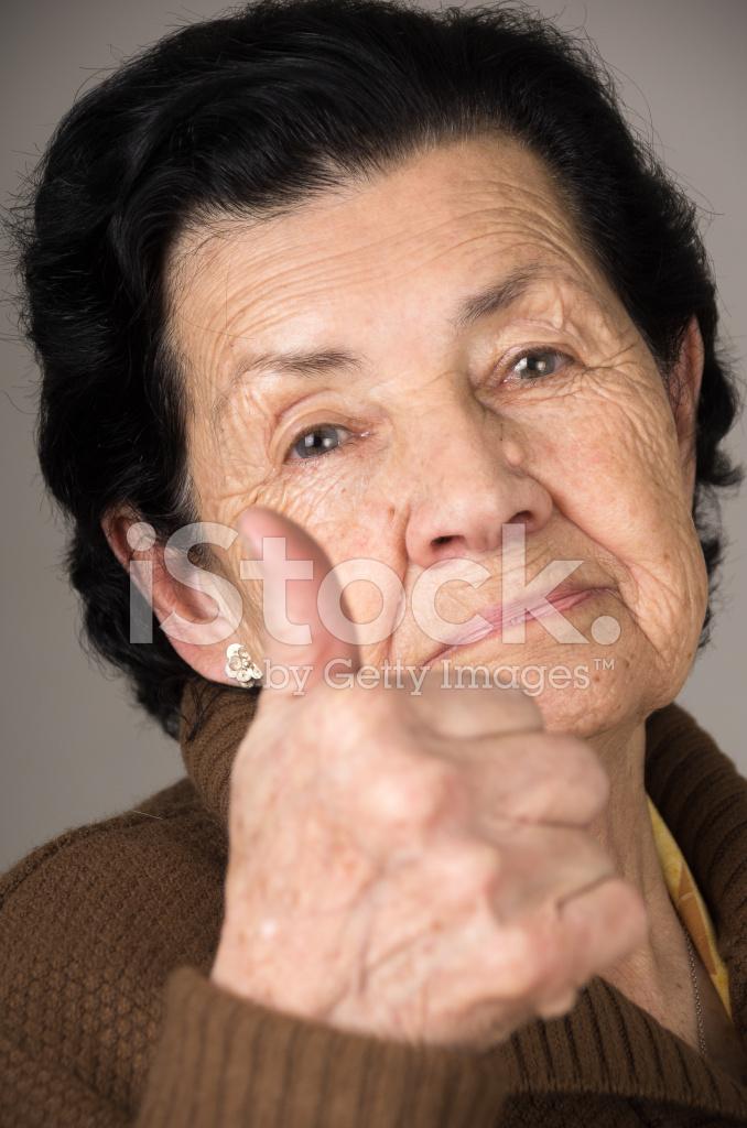 asiatische Oma Daumen