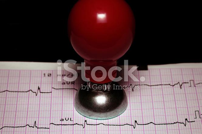 cardiología concepto de ecg y un electrodo de fotografías de stock