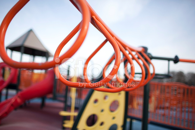 Klettergerüst Clipart : Klettergerüst auf spielplatz stockfotos freeimages.com