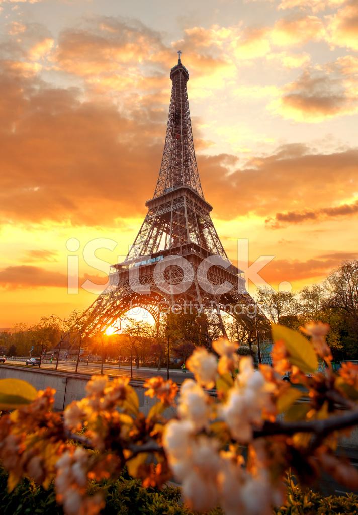 Conhecido Torre Eiffel Durante O Tempo DE Primavera Em Paris, França Fotos  WX24
