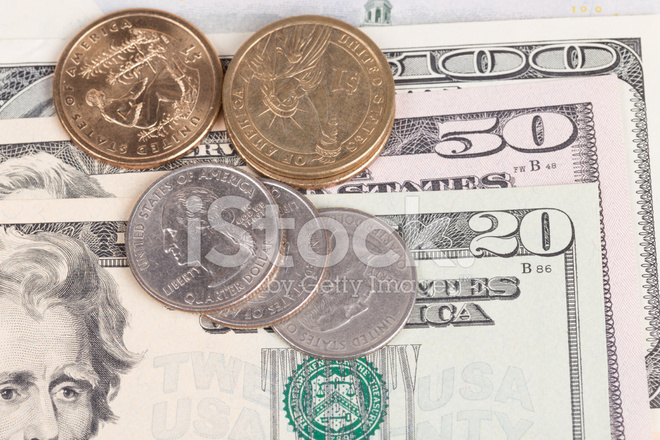 Us Münzen Auf Uns Banknoten Hautnah Stockfotos Freeimagescom