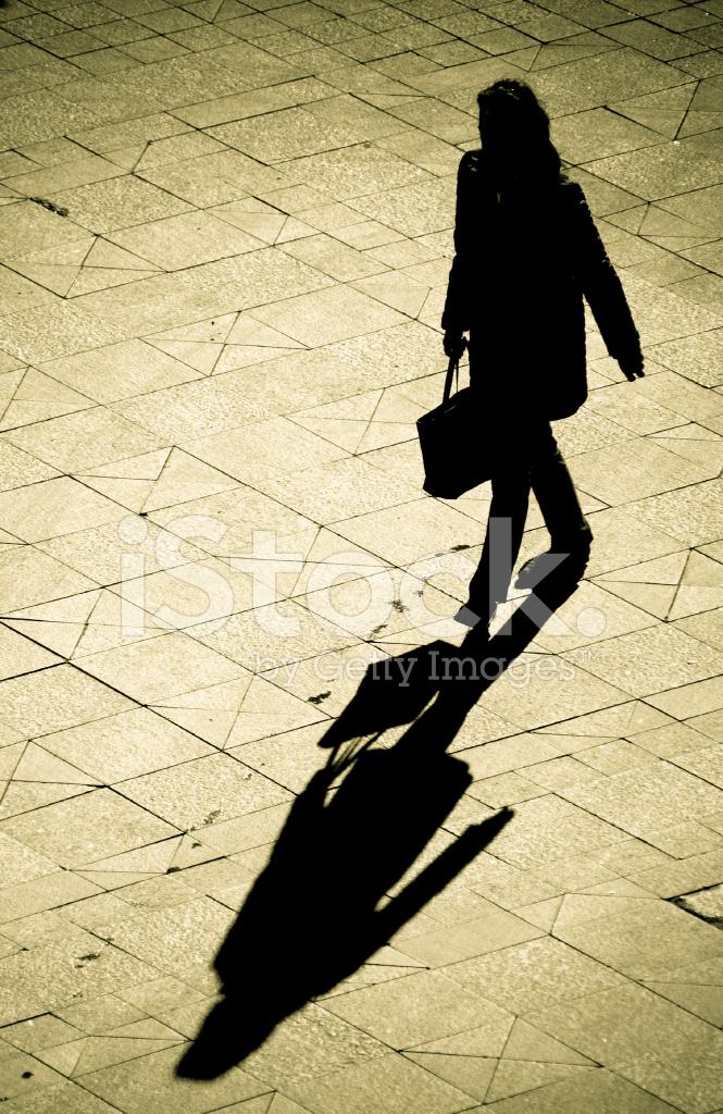 Silhouet Van Vrouw Weglopen stockfoto's - FreeImages.com