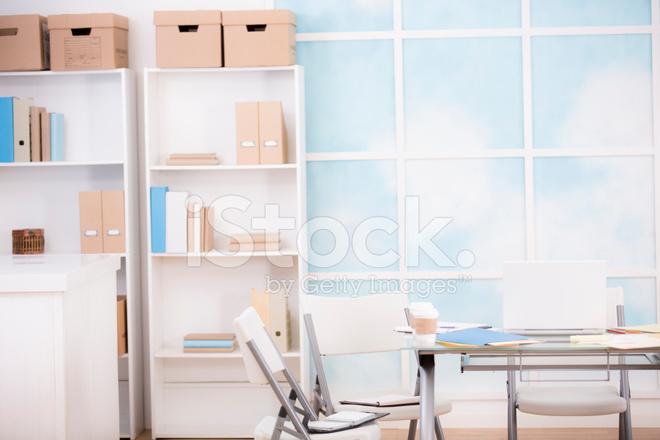 Scaffali Ufficio Design : Ufficio studio finestra scaffali fotografie stock freeimages.com