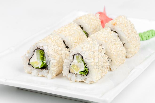 Салат ролл с рыбой