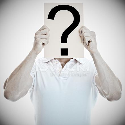 Genç Adam Bir Soru Işareti Ile Beyaz Bir Pano Holding Stok Fotoğrafları - FreeImages.com