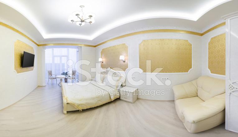 Luxe Bed Met Kussen IN Koninklijke Slaapkamer Interieur Stockfoto\'s ...