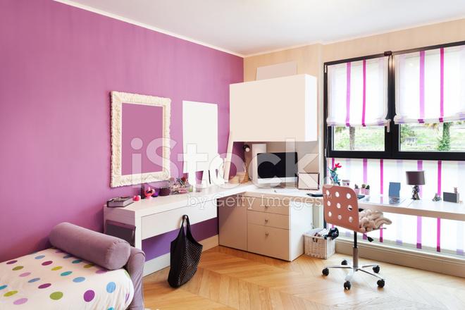 Bellissimo Appartamento Arredato, Camera Da Letto Fotografie stock ...