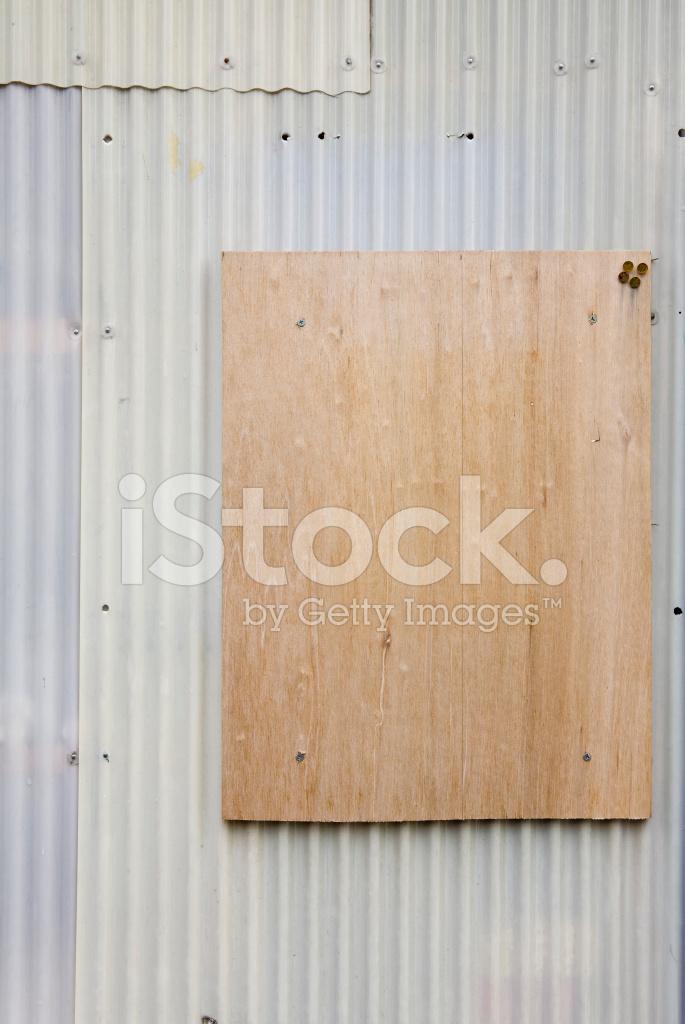 Houten Plank Voor Aan De Muur.Gegolfd Muur Met Houten Plank Voor Kopie Ruimte Stockfoto S