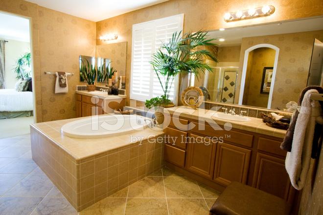 Sala Da Bagno Lusso : Bella stanza da bagno di lusso fotografie stock freeimages