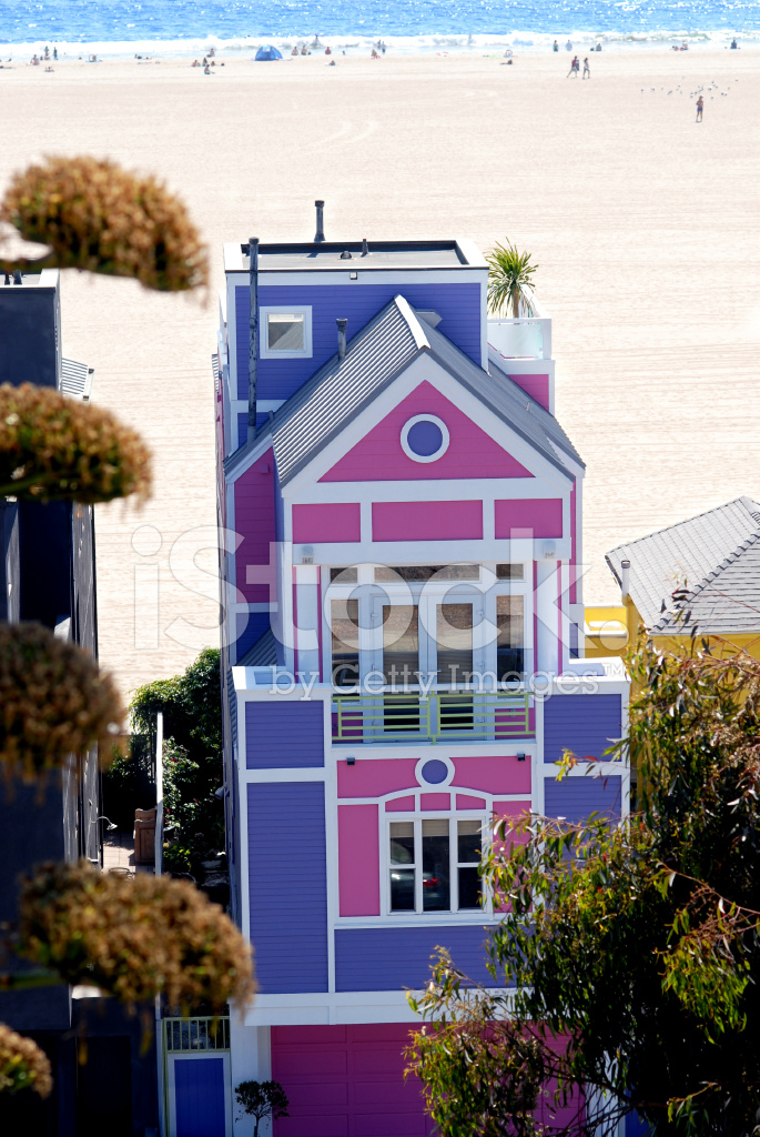 Purple And Pink Santa Monica California Beach House Stock