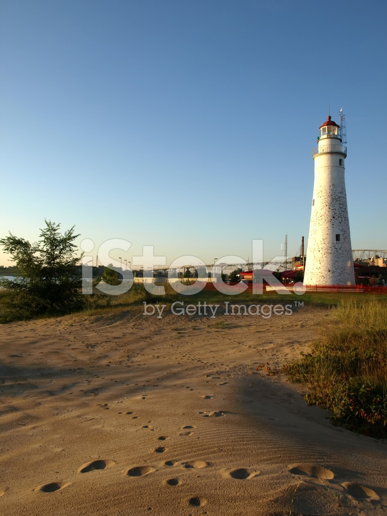 the importance of fort gratiot lighthouse Fort gratiot lighthouse the oldest lighthouse in michigan is the second oldest on the great lakes and actually older than the state itself erected in 1825, the lighthouse was a part of the fort.