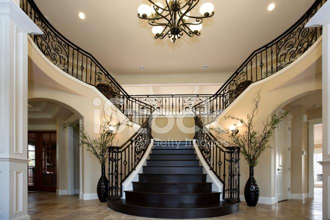 grande entr e avec de fer double escalier en architecture d 39 int rieur photos. Black Bedroom Furniture Sets. Home Design Ideas
