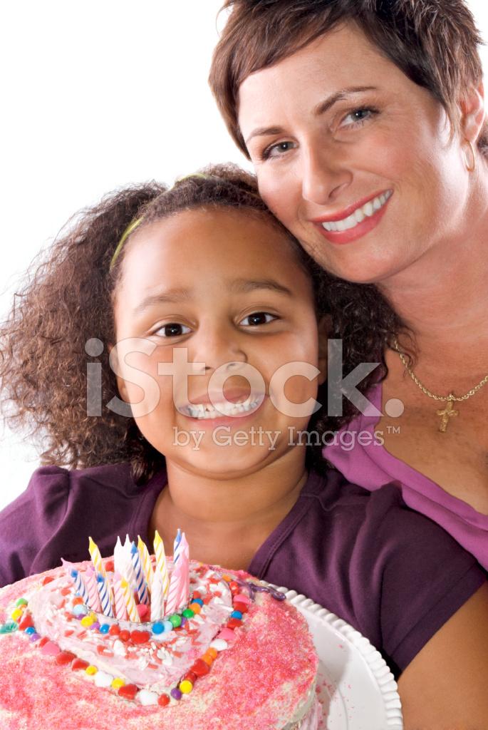 Moeder En Dochter Viert Een Verjaardag Met Een Zelfgemaakte Cake