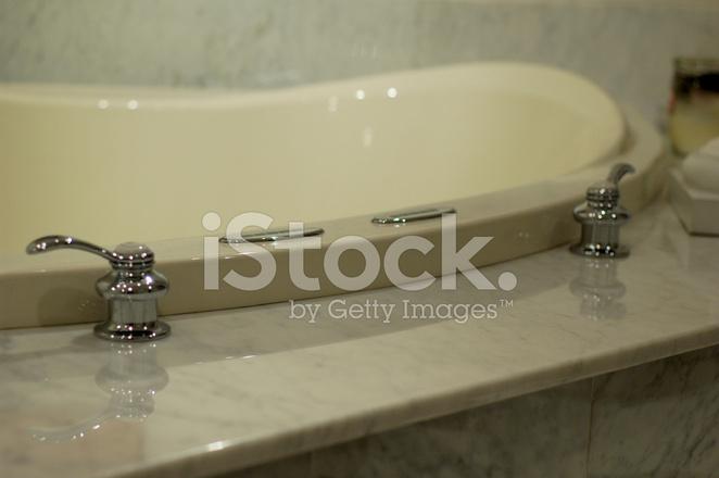 Vasca Da Bagno Marmo : Vasca da bagno in marmo fotografie stock freeimages