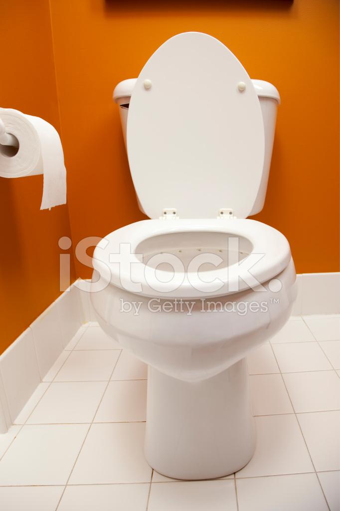 Badkamer toilet fisheye vooraanzicht stockfoto 39 s - Model betegelde badkamer ...