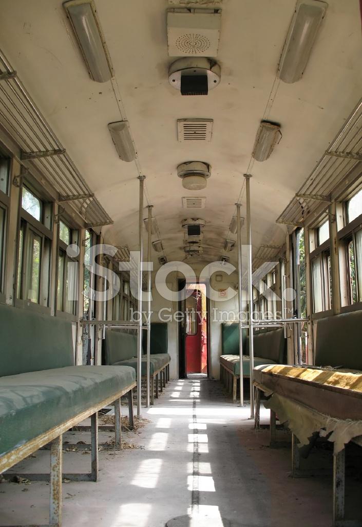 antiguo tren interior