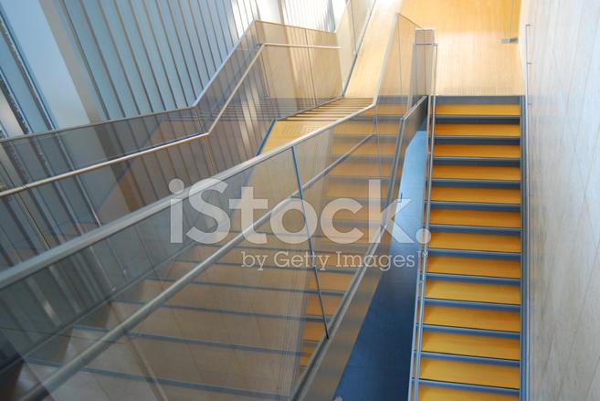 Moderne architectonische interieur trap stockfoto s freeimages