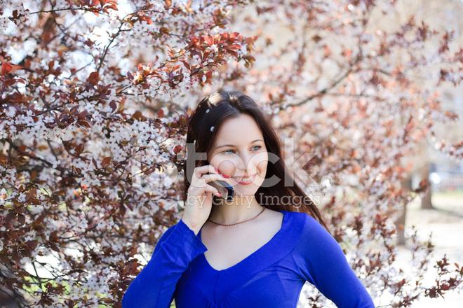 243b8382a Premium Stock Photo of Retrato DE Uma Mulher Sorridente