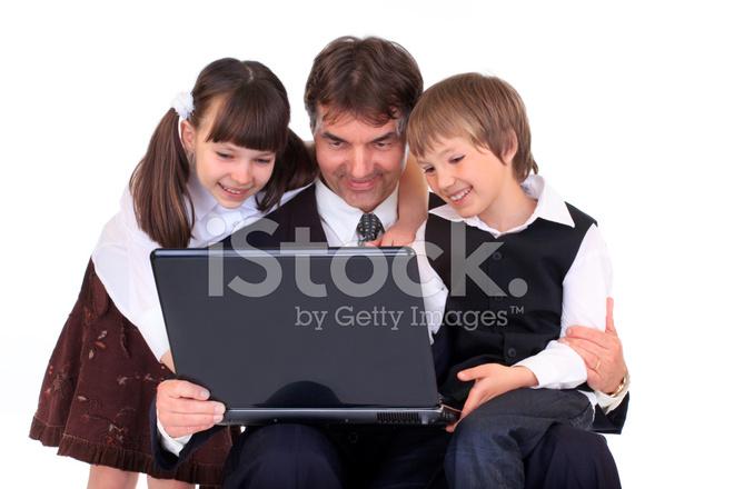 p re et enfants sur ordinateur portable photos. Black Bedroom Furniture Sets. Home Design Ideas