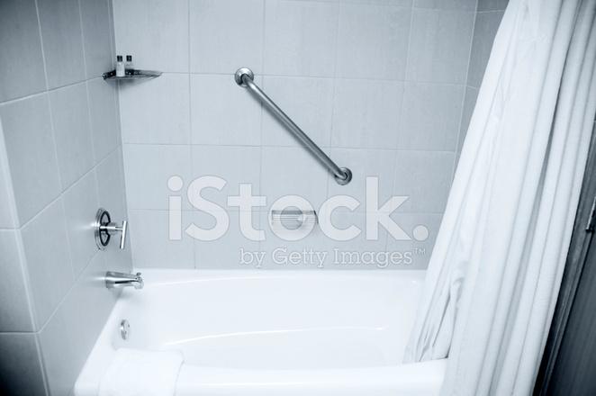 Vasca Da Bagno Per Hotel : Hotel vasca da bagno doccia fotografie stock freeimages