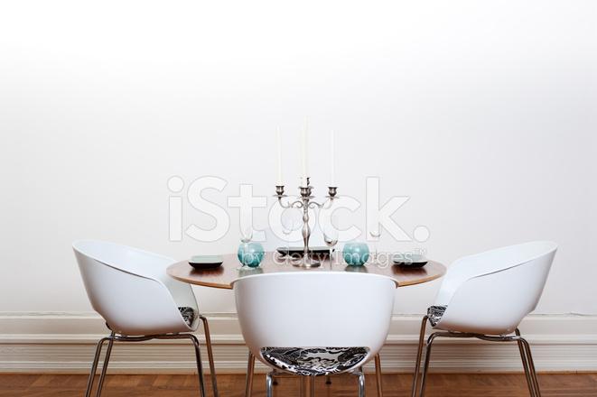 Moderne eetkamer ronde tafel stockfoto s freeimages