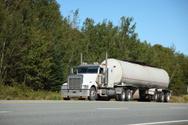 Fuel Tanker,Semi-Truck,Truc...