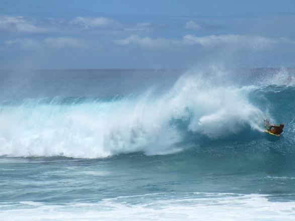 Waves at Kaena Point