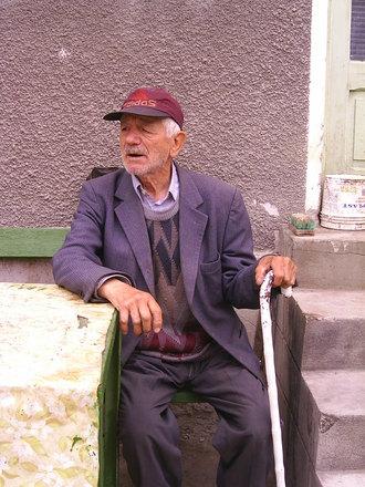 Vanhus kyläyhdistyksessä