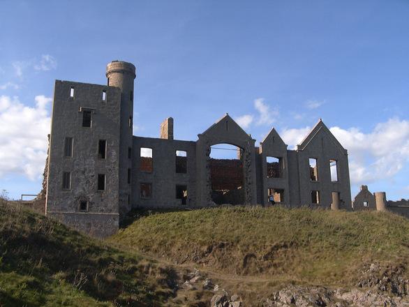 slains castle 3