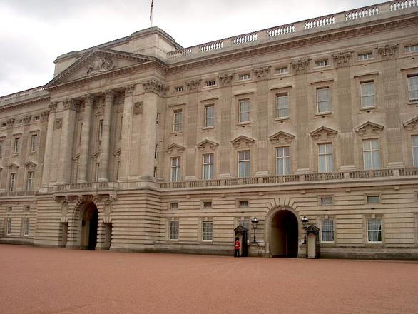 Free Buckingham palace Stock Photo - FreeImages.com