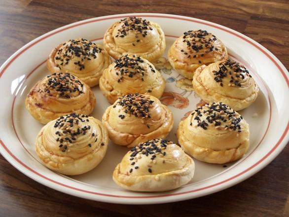 Pineapple sesame pastries 3