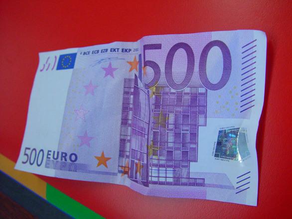 Free 500 euro stock photo for Schlafsofa 500 euro