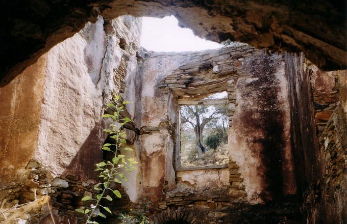 Ruinous Mansion